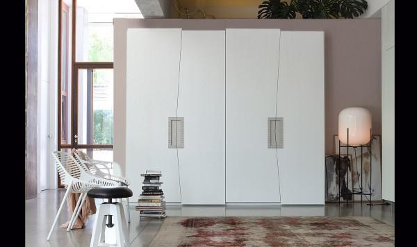 Kleiderschrank aus Eiche Zero.16, Handarbeit, italienisches Design